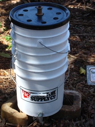 Gallon Bucket Worm Bin