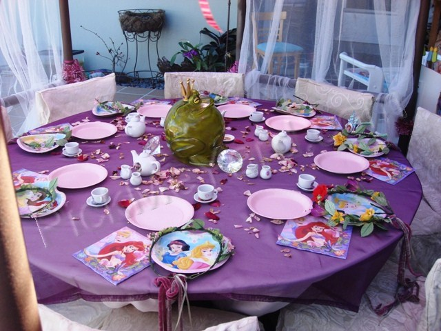 tea party ideas for little girls | Pick Me Yard Quinceanera Table Settings